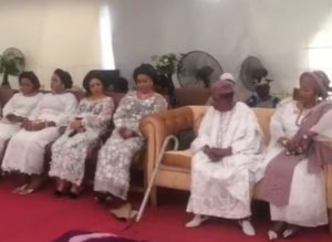 Alaafin of Oyo with all his wives at daughter's Royal wedding (photos)